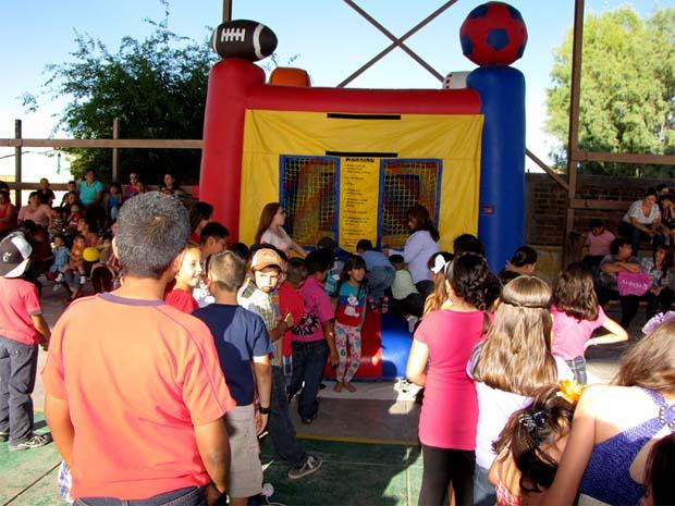 Festejo en grande para los niños de Bacoachi