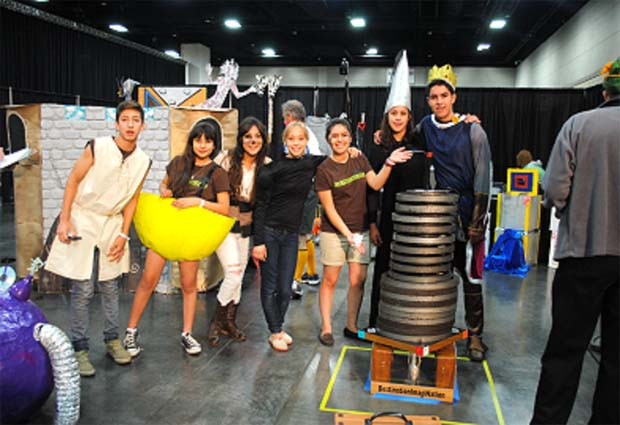 Equipos de Cananea en evento de Destination Imagination en Knoxville, Tennesse