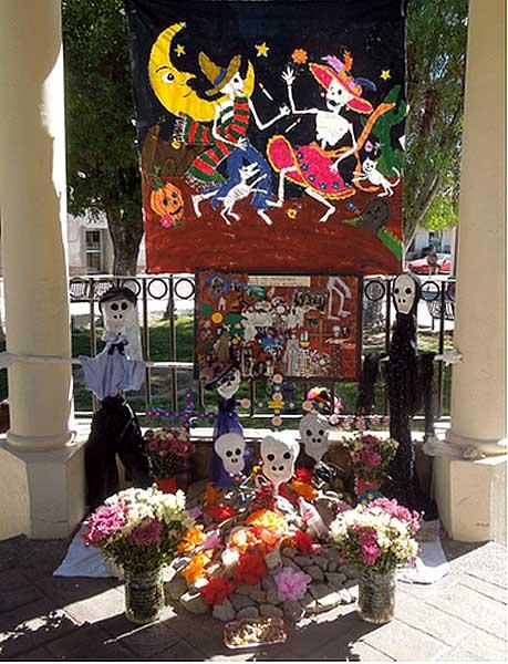 Altar realizado por el Ayuntamiento de Bacoachi